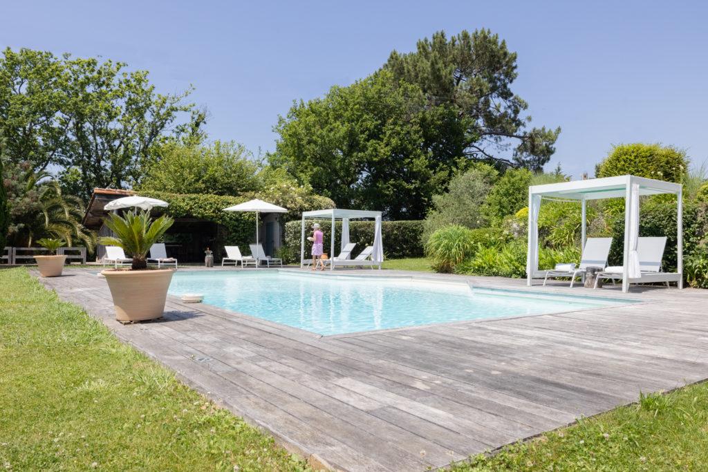 Maison de vacances au Pays basque Les Volets bleus - jardin avec piscine