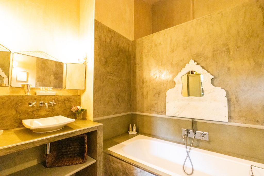 Maison de vacances au Pays basque - chambre piment salle de bains