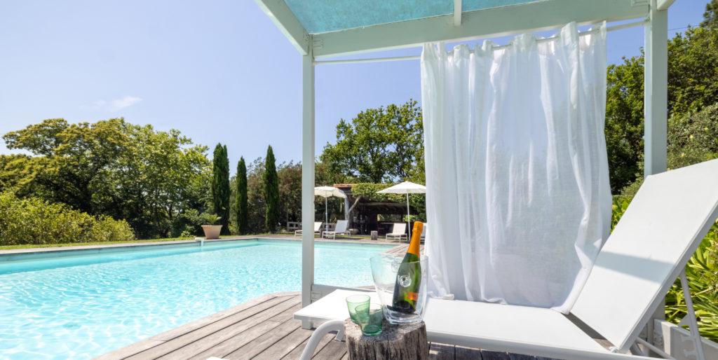 Maison de vacances au Pays basque Les volets bleus - piscine
